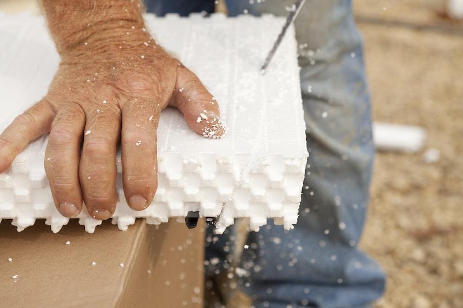 Styrofoam - convient pour l'isolation de base et l'isolation supplémentaire des murs de la maison par l'intérieur.