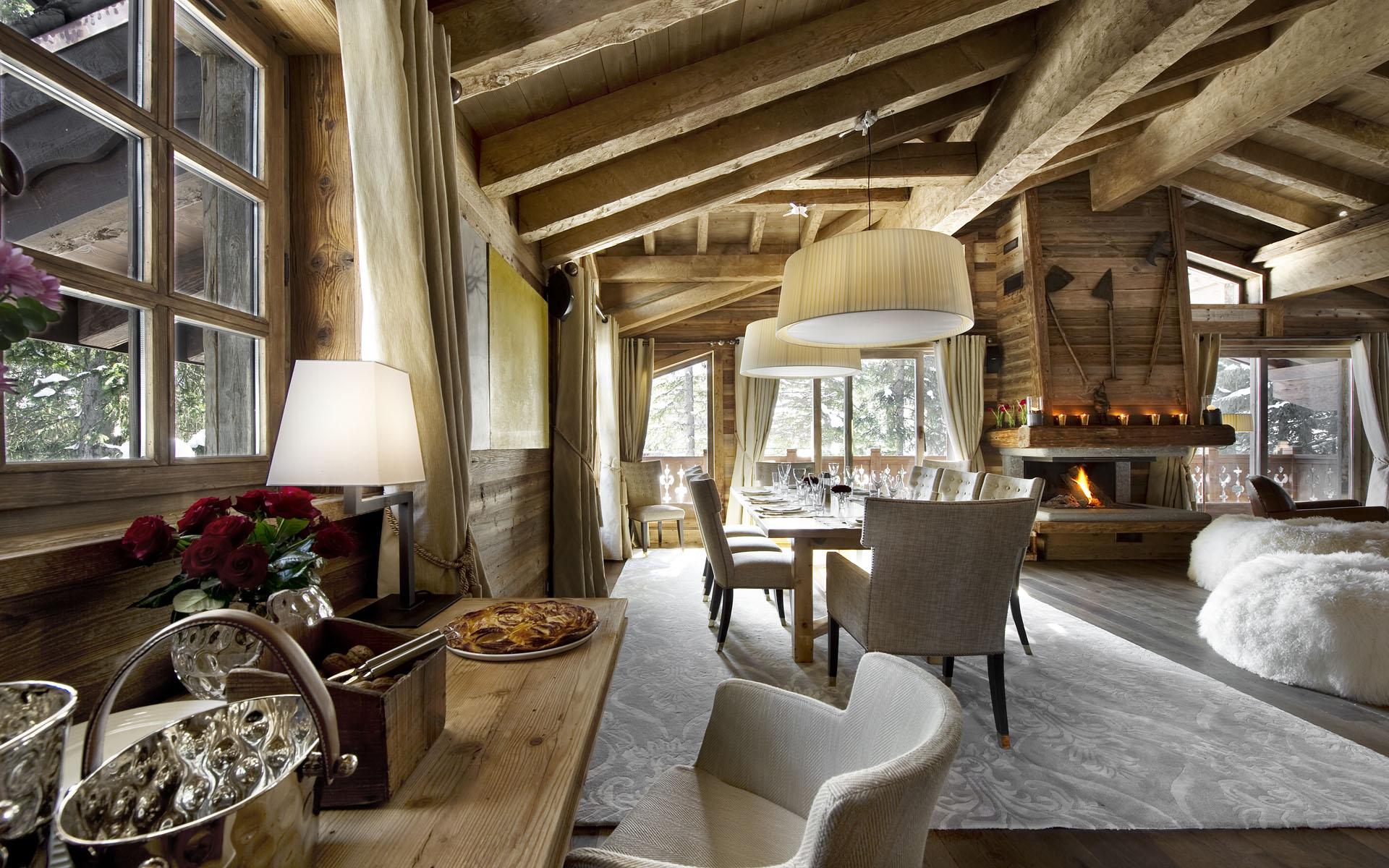 Стиль кантри не может обойтись без внутренней отделки древесиной