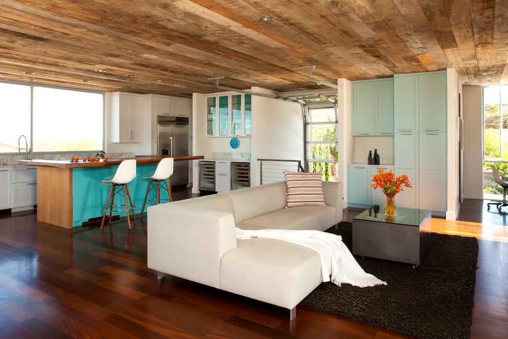 Великолепный дизайн деревянного потолка