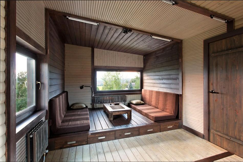 Комбинировать блок-хаус можно с другими отделочными материалами, например вагонкой