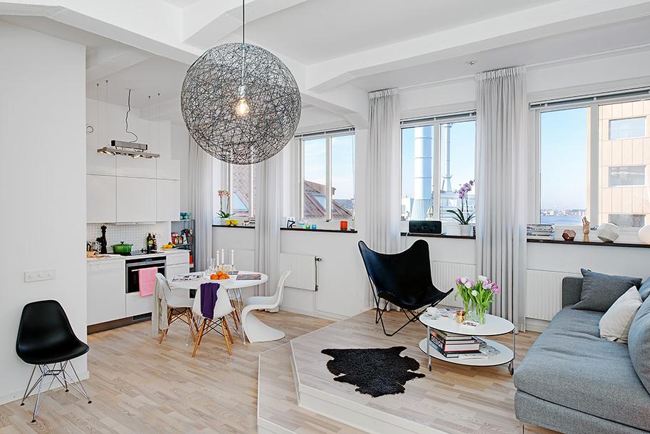 Небольшая квартира студия на мансардном этаже
