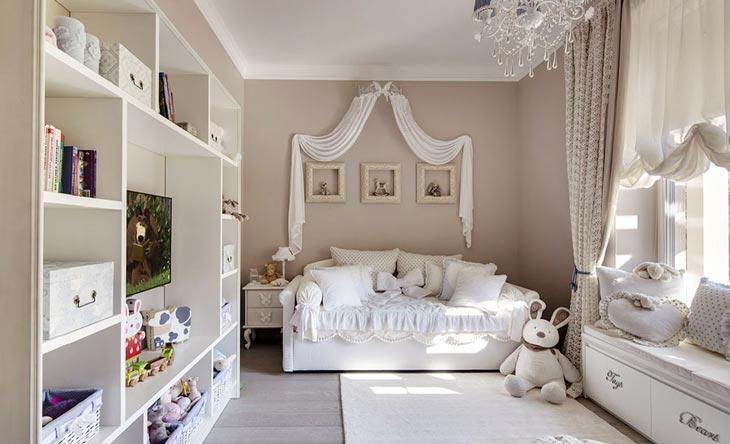 Несмотря на то, что классический стиль в большей степени подходит для возрастной категории людей, детская комната в данной тематике смотрится также превосходно