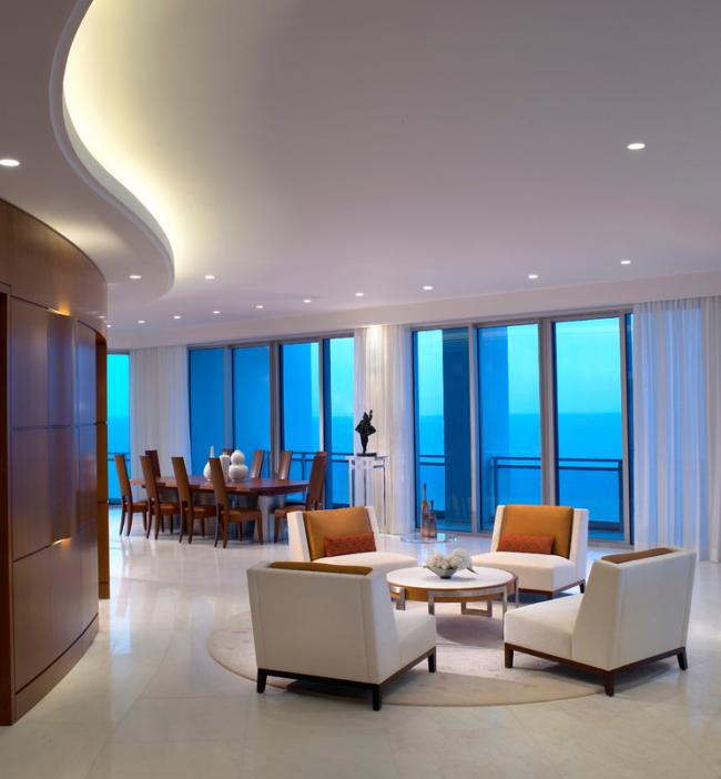 Красивый двухуровневый подвесной потолок из гипсокартона