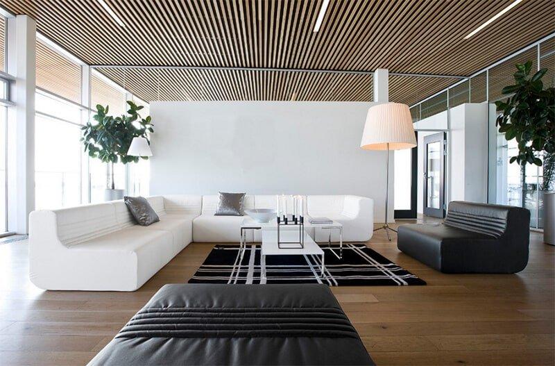 Стиль минимализм идеально подходит для оформления реечного потолка