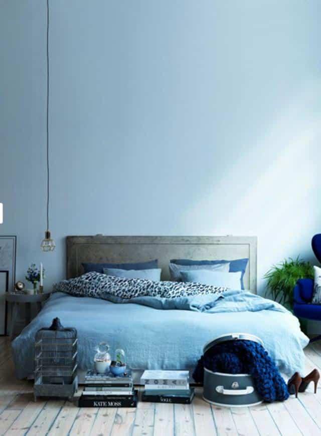 Для более спокойной и умиротворенной обстановки лучше использовать светлые оттенки синего
