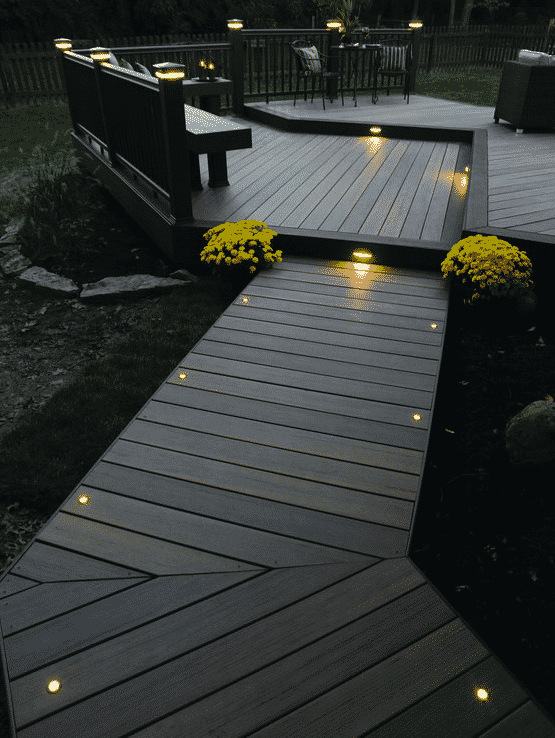 Одним из самых популярных оттенков для современных террас считается цвет венге