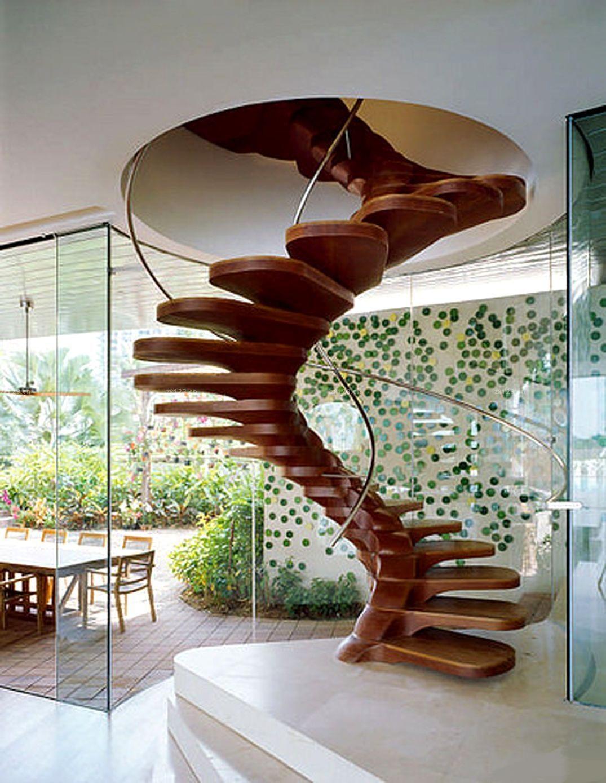 Суперсовременный и изящный вид винтовой лестницы выполненной из дерева