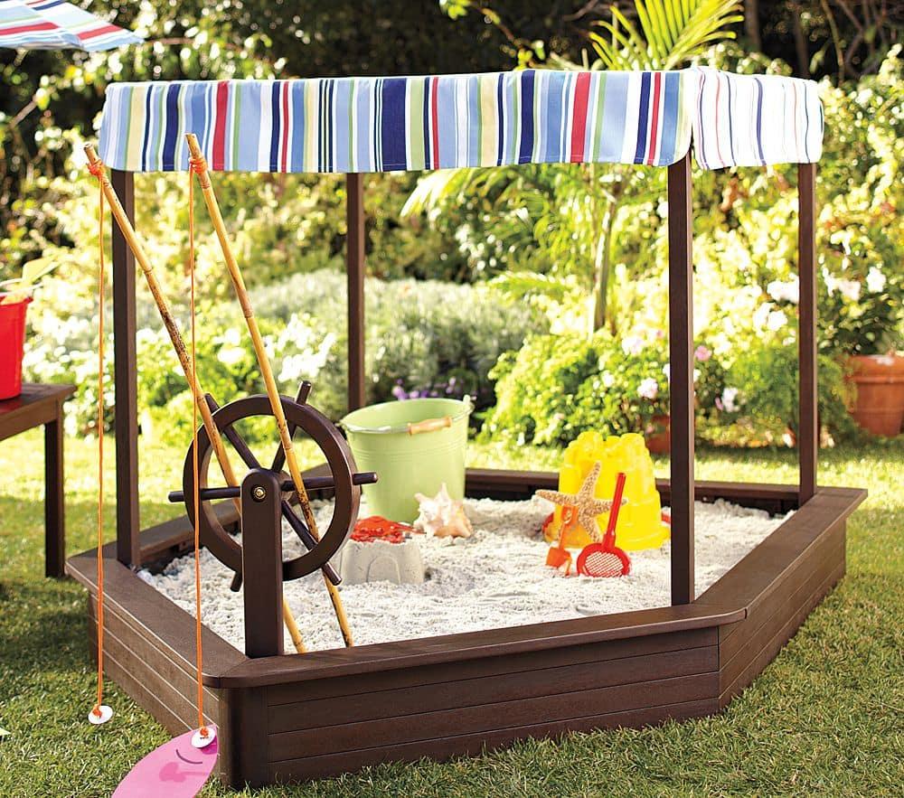 Детская песочница в виде корабля - мечта для любого ребенка, особенно мальчишек