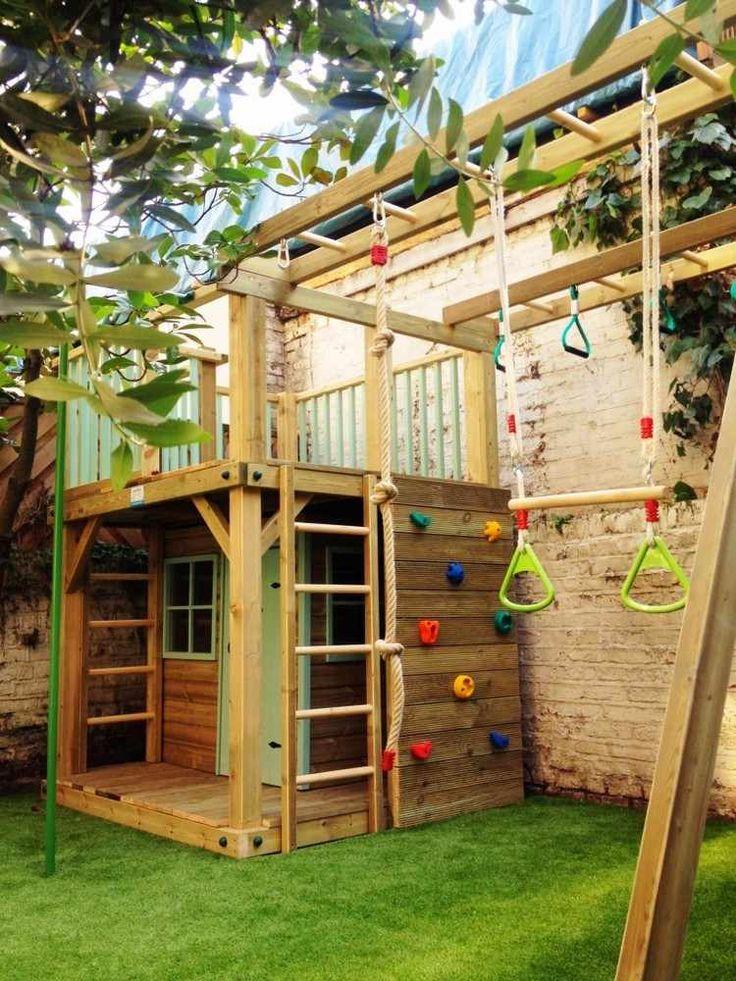 В качестве напольного покрытия для детских площадок лучше использовать нескользящее и упругое покрытие