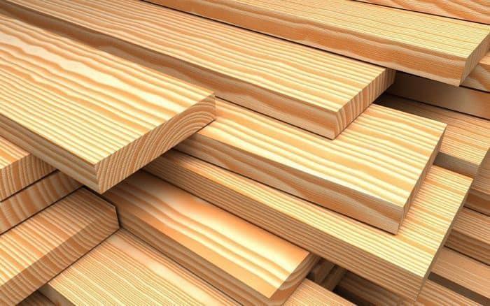 Для садовой мебели желательно использовать только качественные пиломатериалы из твердых сортов древесины