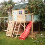 Оформление детского домика на даче