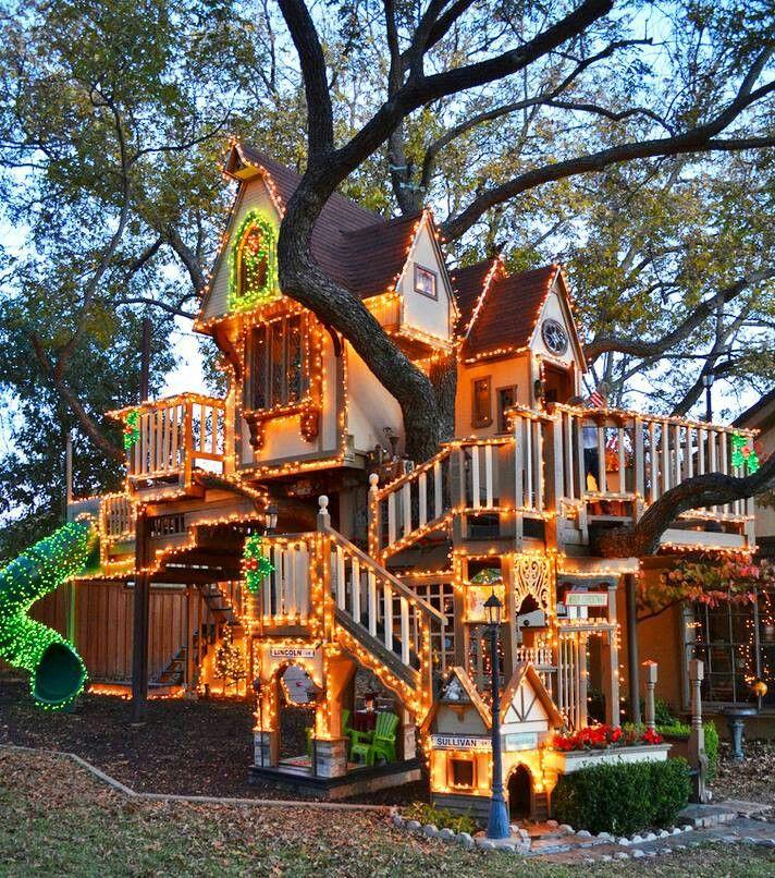 Если позволяют средства, то для ваших любимых малышей можно устроить на дереве настоящий мини Диснейленд