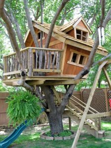 Красивый сказочный детский домик
