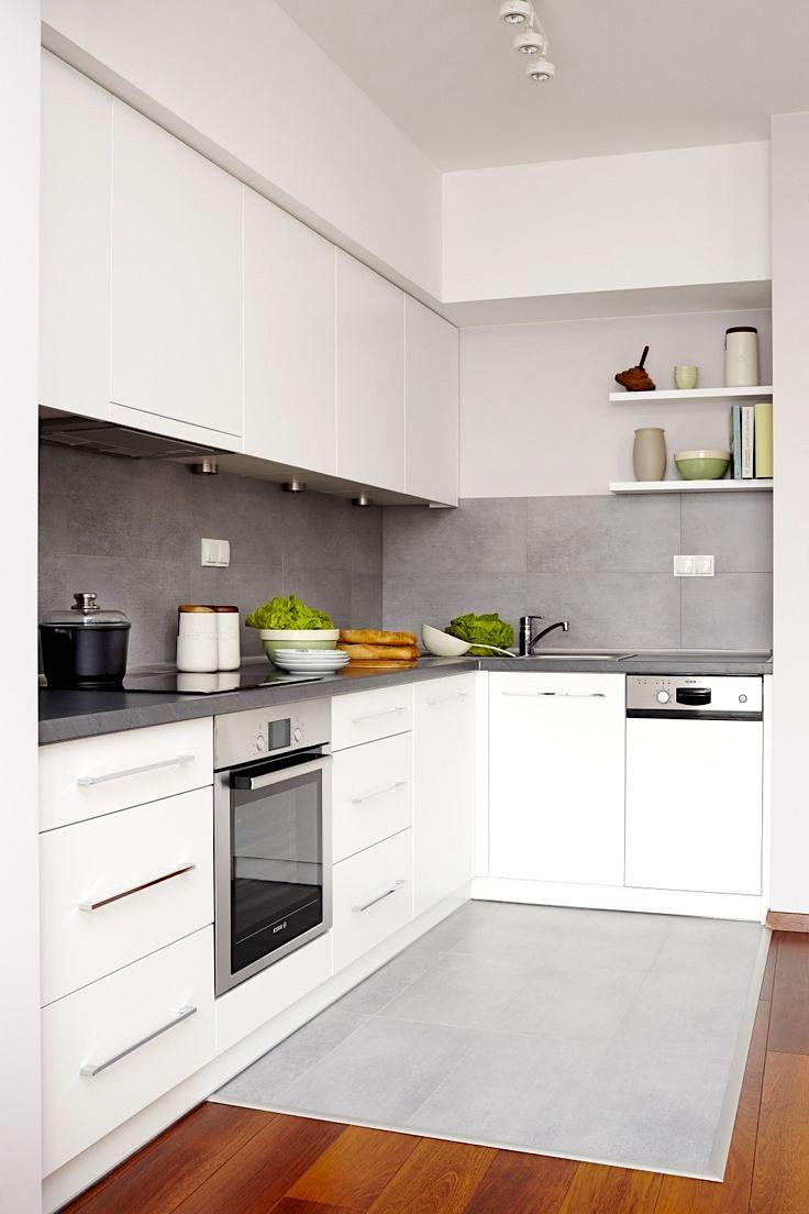 Кухонный фартук выполненный из бесшовной плитки выглядит стильно и элегантно