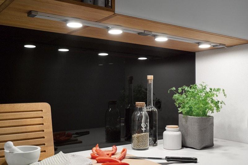 Хорошее освещение на кухне является качественным показателем образцового интерьера