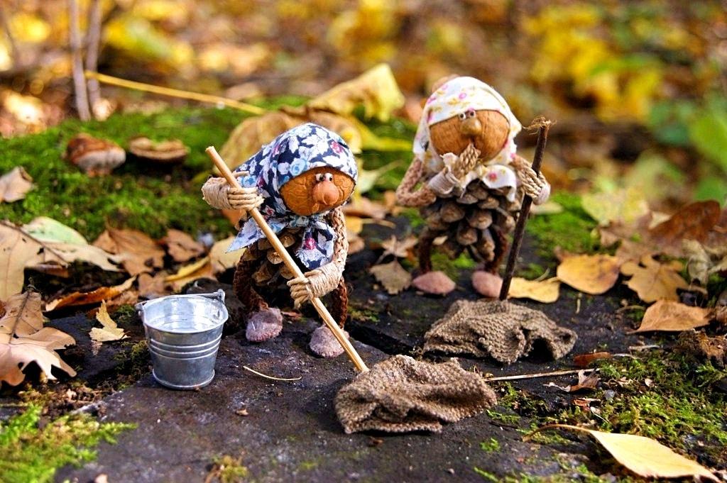 Пара помощников для уборки сада никогда не будет лишней