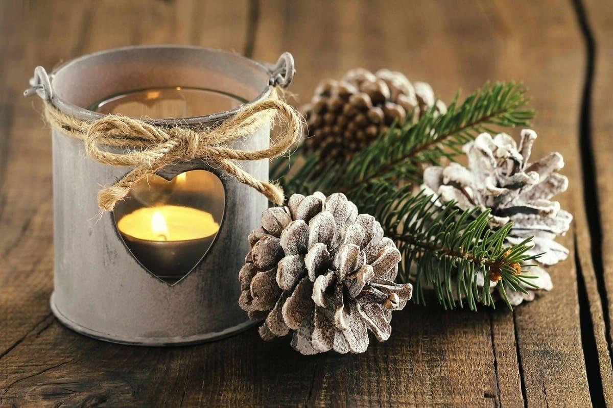 Новый год имеет свои традиции и одна из них - зажигать свечи