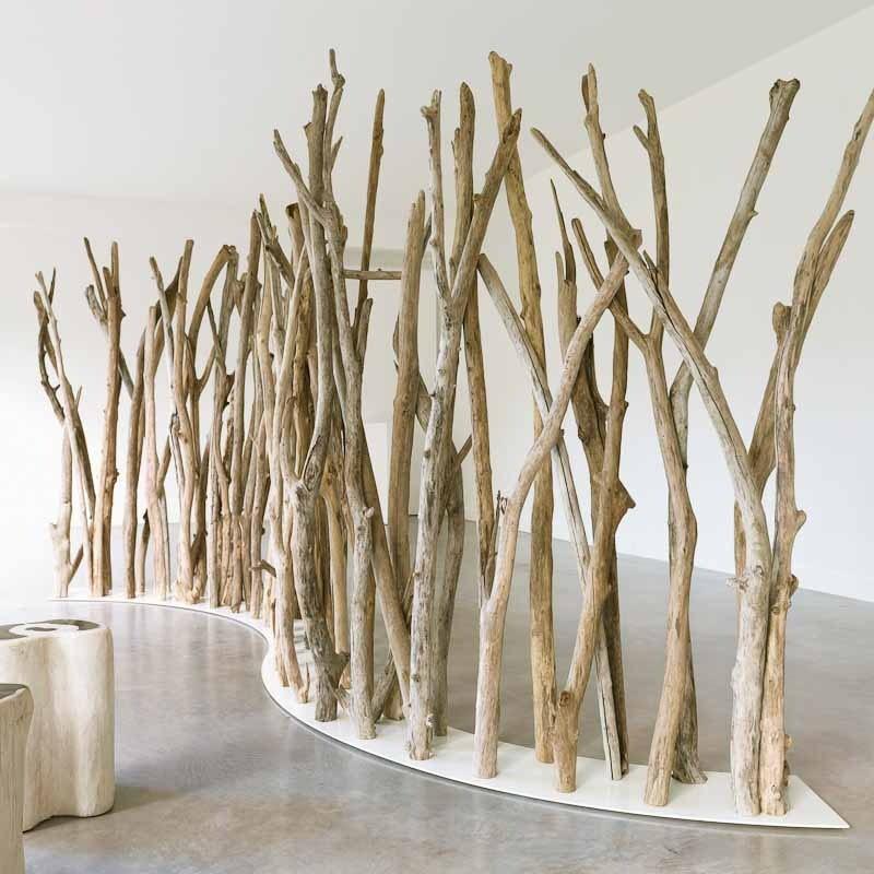 Для деревянной ширмы можно использовать ветки различной толщины