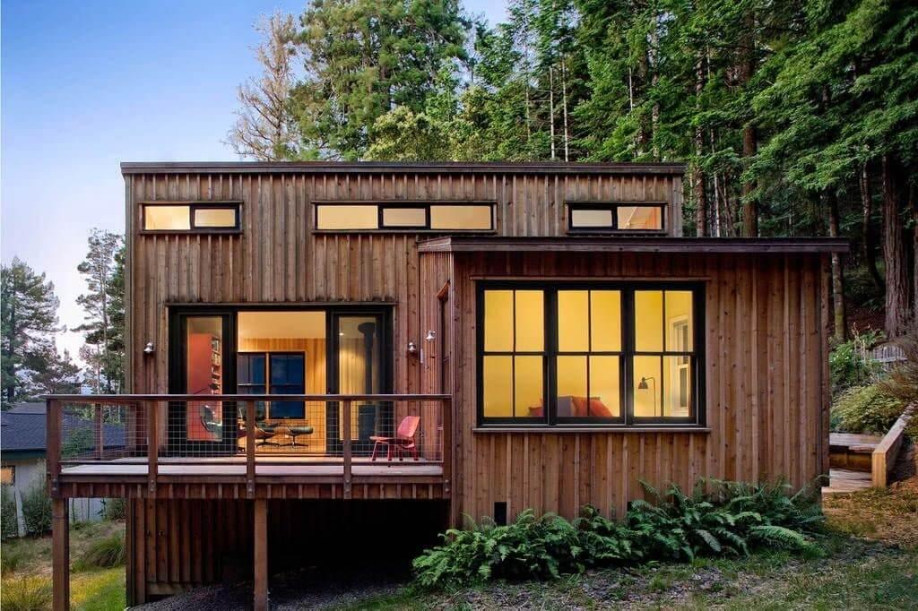 Построить сборно-щитовой садовый домик своими силами можно всего за один сезон