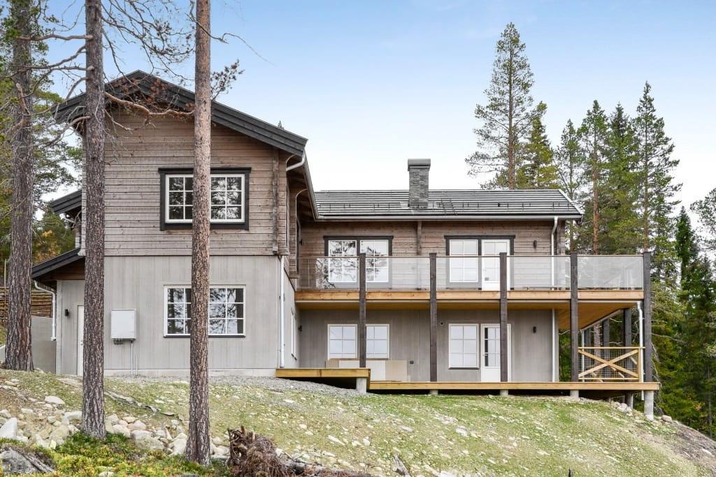 Внешний вид дома в стиле шале очаровывает с первого взгляда