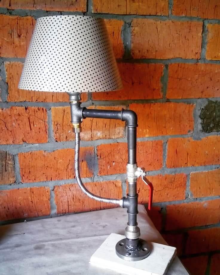 Великолепный дизайн настольной лампы в стиле лофт