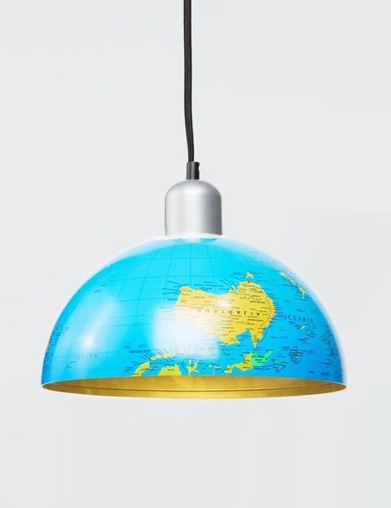 Креативная люстра из глобуса поможет украсить комнату вашего малыша