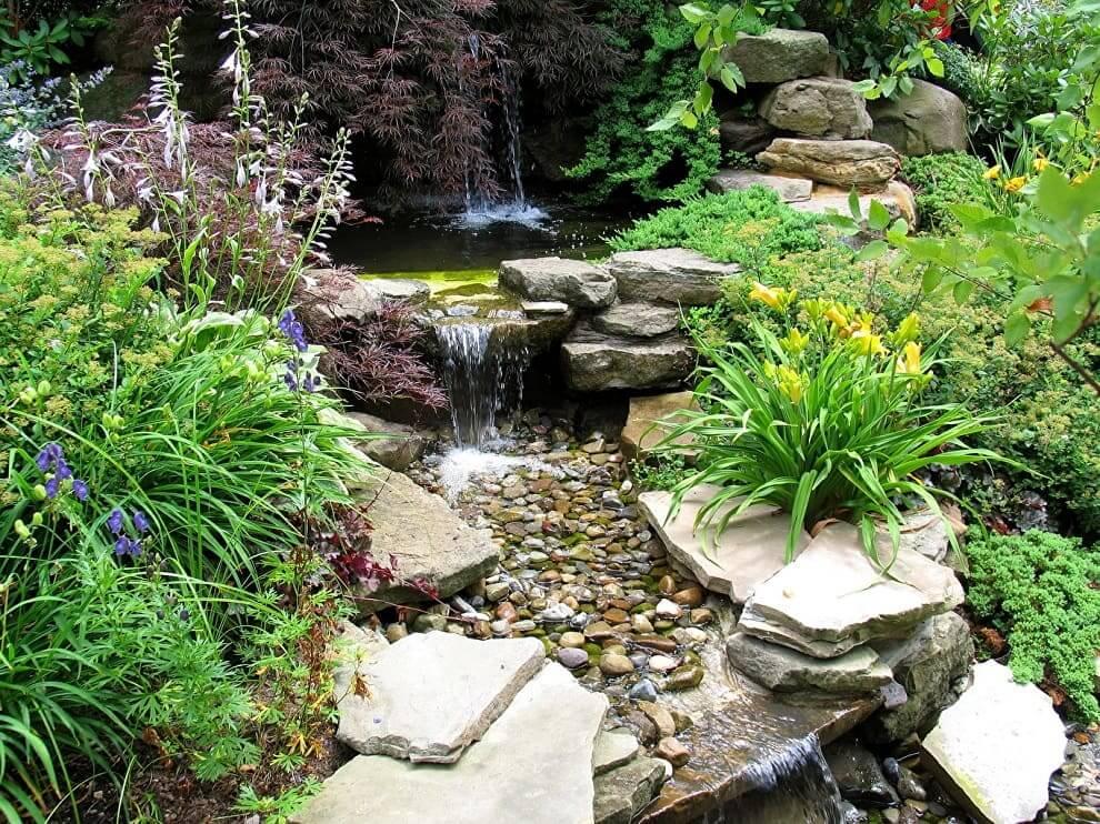 Иметь свой собственный пруд у себя во дворе - мечта любого дачника