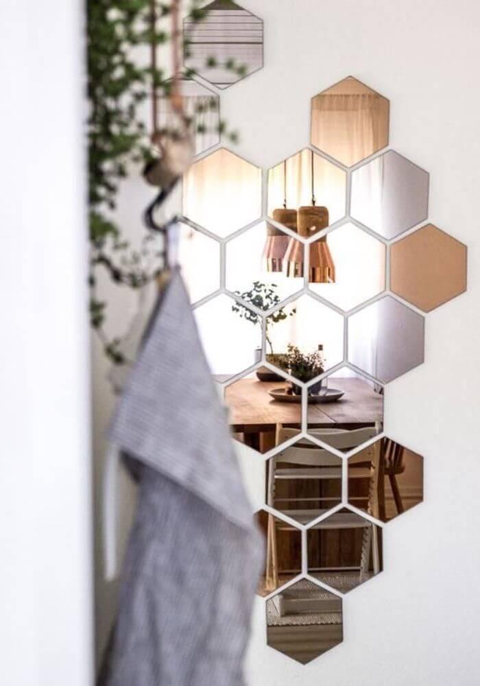 Мозаика из зеркал в виде пчелиных сот
