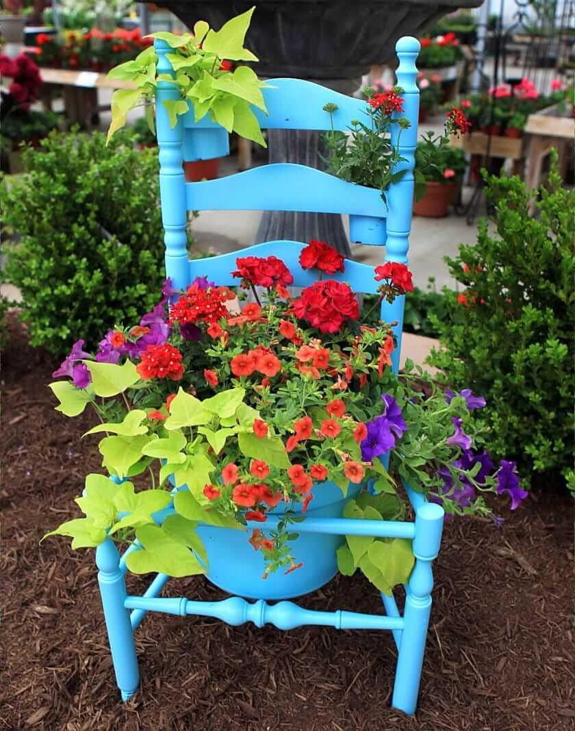 Красивый винтажный стул обрел новую жизнь