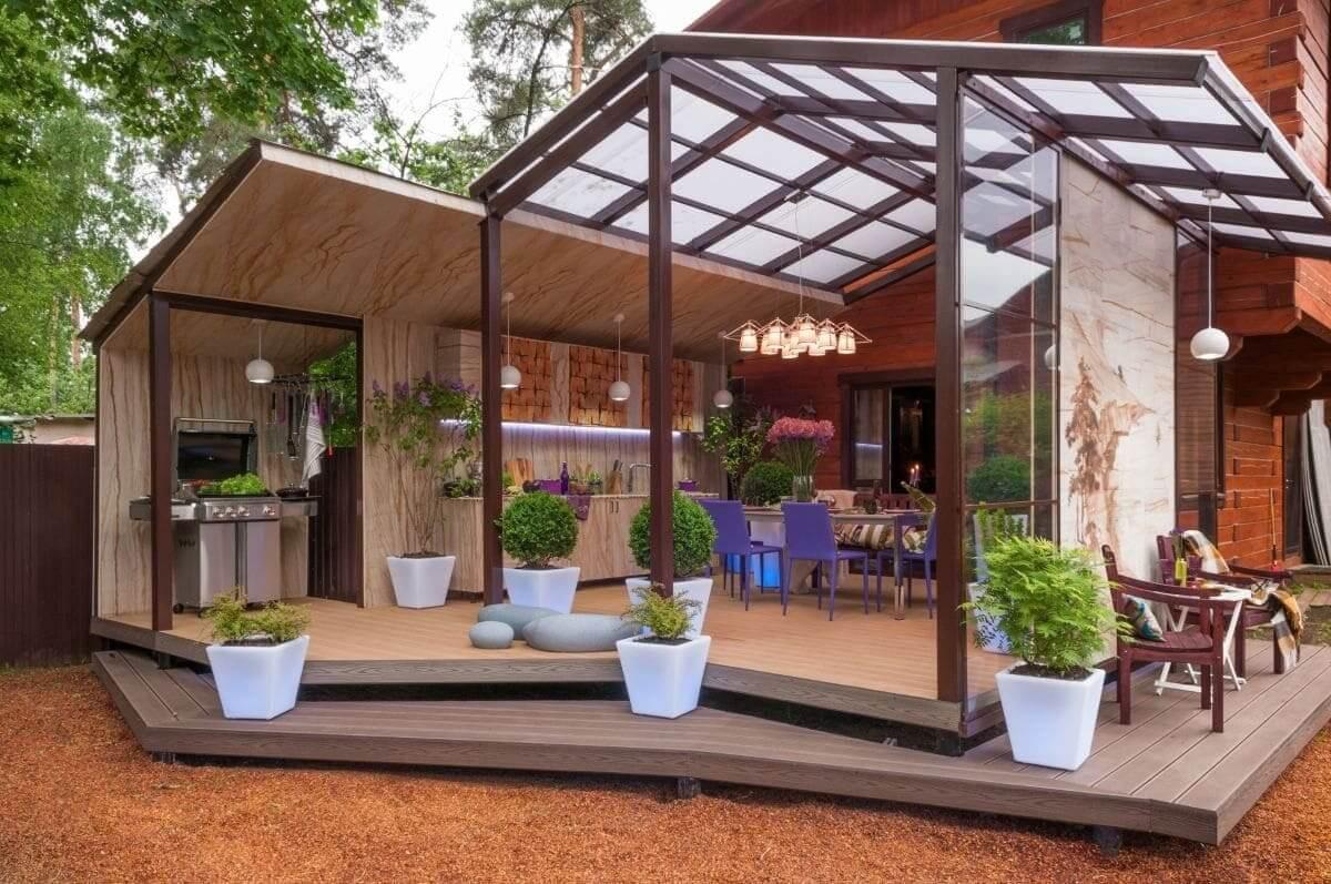 Современная летняя кухня должна быть максимально функциональна и удобна