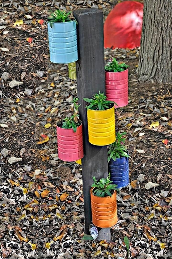 Необычная конструкция в виде цветочного дерева