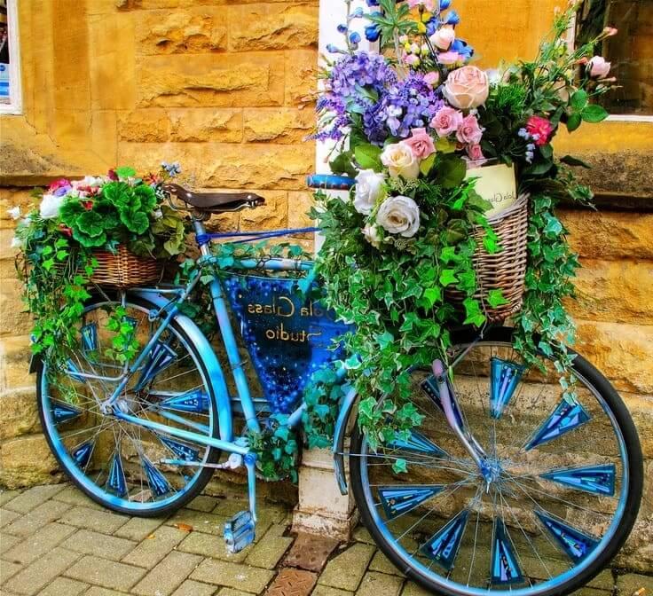 Кашпо из велосипеда - все гениальное просто