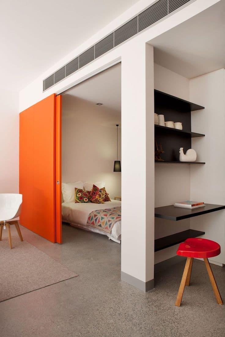 Раздвижная дверь - лучший способ избежать дефицита свободного пространства