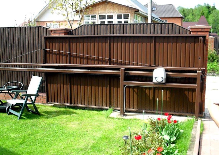 Консольные (сдвижные) въездные ворота на даче