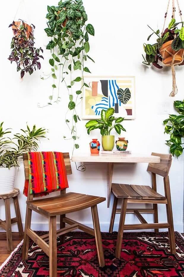 При желании зону отдыха можно превратить в настоящий ботанический сад, главное - соблюдение чувства меры