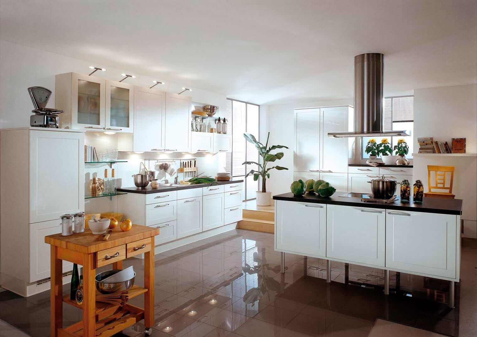 Даже небольшое количество зелени способно кардинально преобразить интерьер кухни