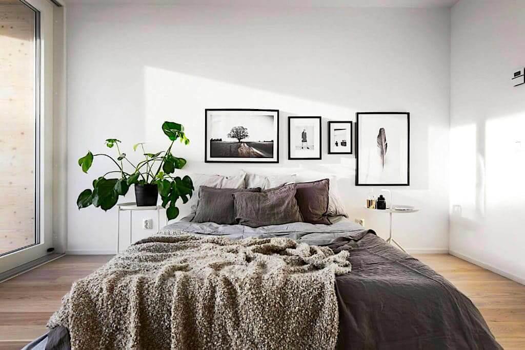 Неподражаемая алоказия в интерьере спальни