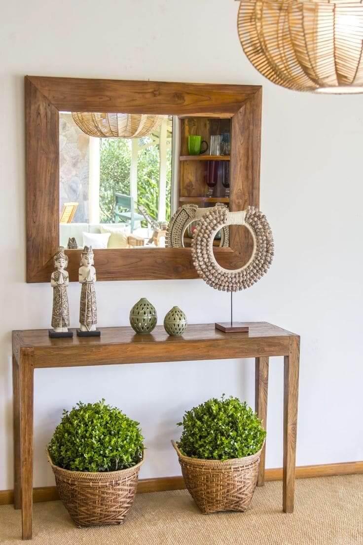 Плетеные корзины станут ярким акцентов в вашем интерьере, если в них высадить шаровидные комнатные растения, например солейролию или мирт обыкновенный
