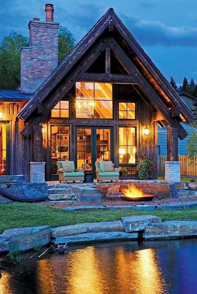 Традиционный альпийский дом в стиле шале