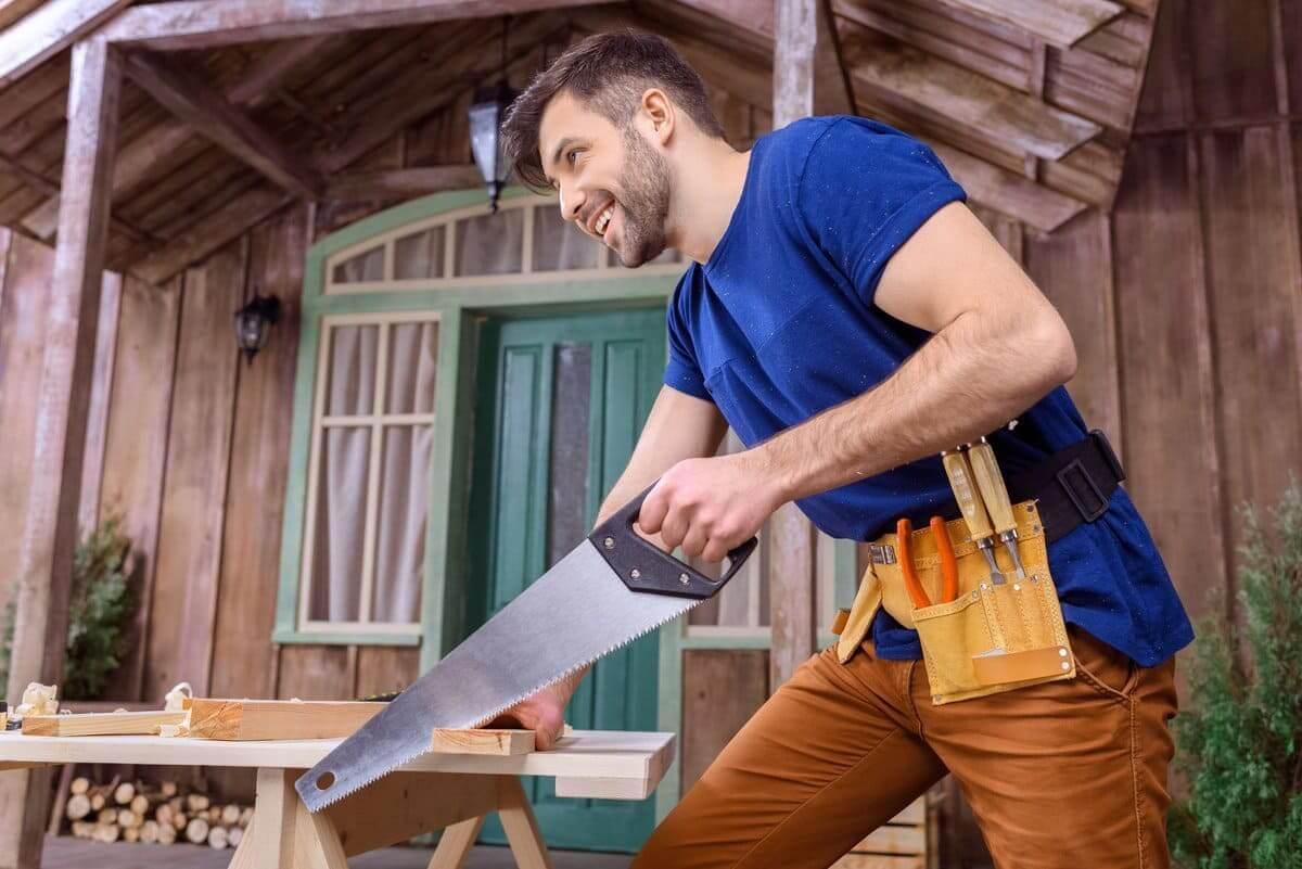 Ручная ножовка - без сомнения, нужный в хозяйстве инструмент