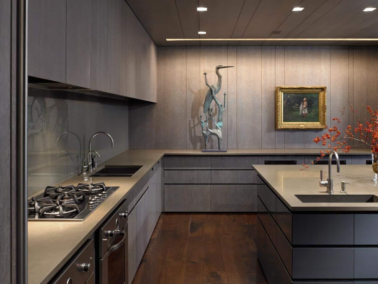 Глубокие и спокойные оттенки серого цвета легко сочетаются с коричневой цветовой гаммой