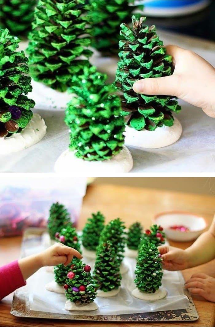 Делать из шишек забавные украшения к новому году - одно из самых любимых детских занятий