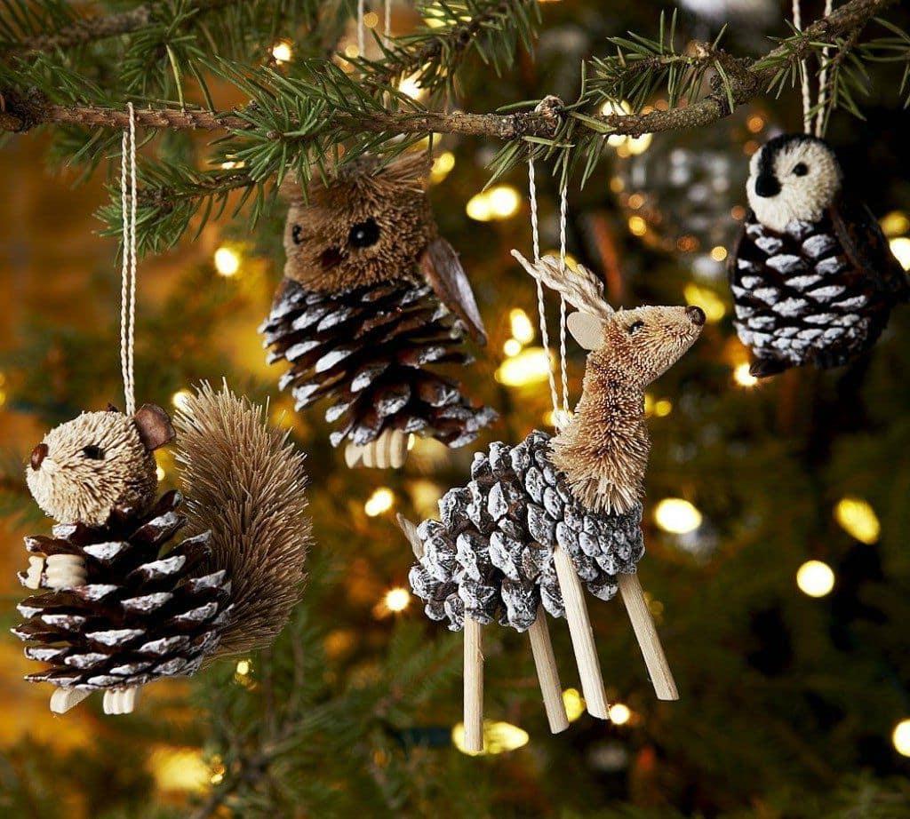 Оригинальные елочные игрушки из шишек в виде милых лесных животных