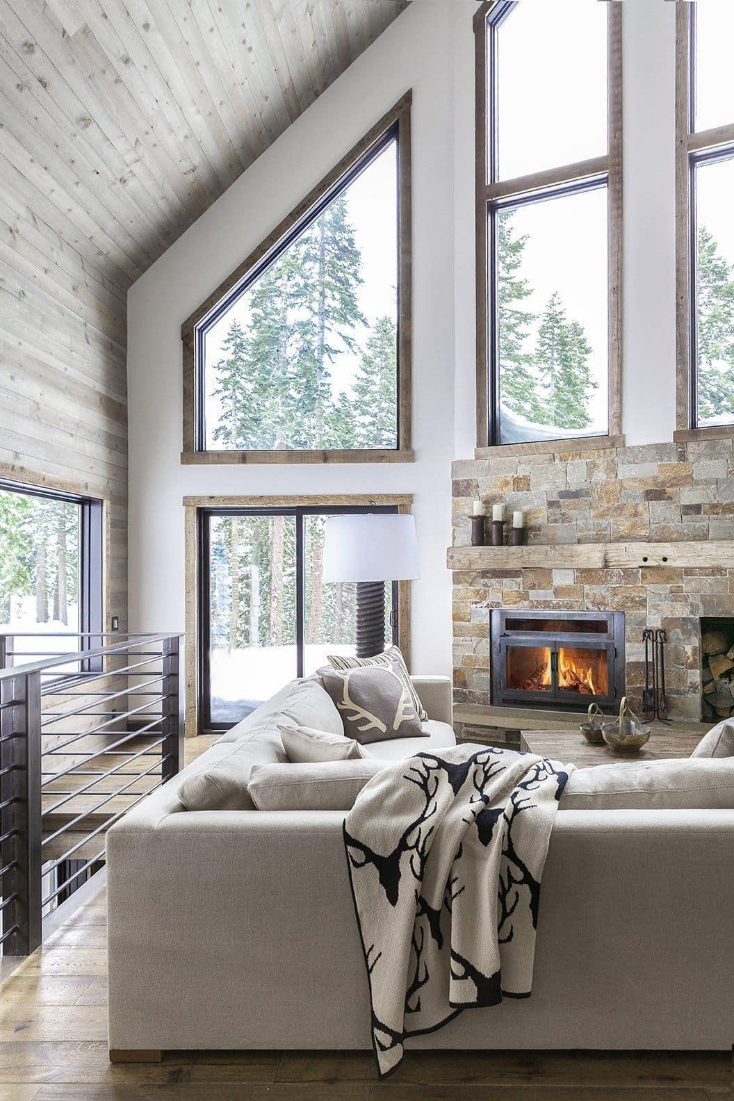 Второй свет и камин - имеет фундаментальное значение для домов скандинавского направления