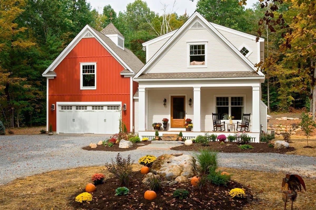 Ухоженная лужайка перед домом - неизменный атрибут скандинавского домостроения
