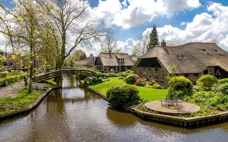 Сад в голландском стиле всегда выглядит очень эстетично