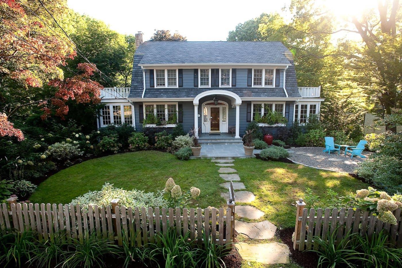 Черты современной динамичной жизни включаются в эстетику садов, оформляемых в стиле модерн