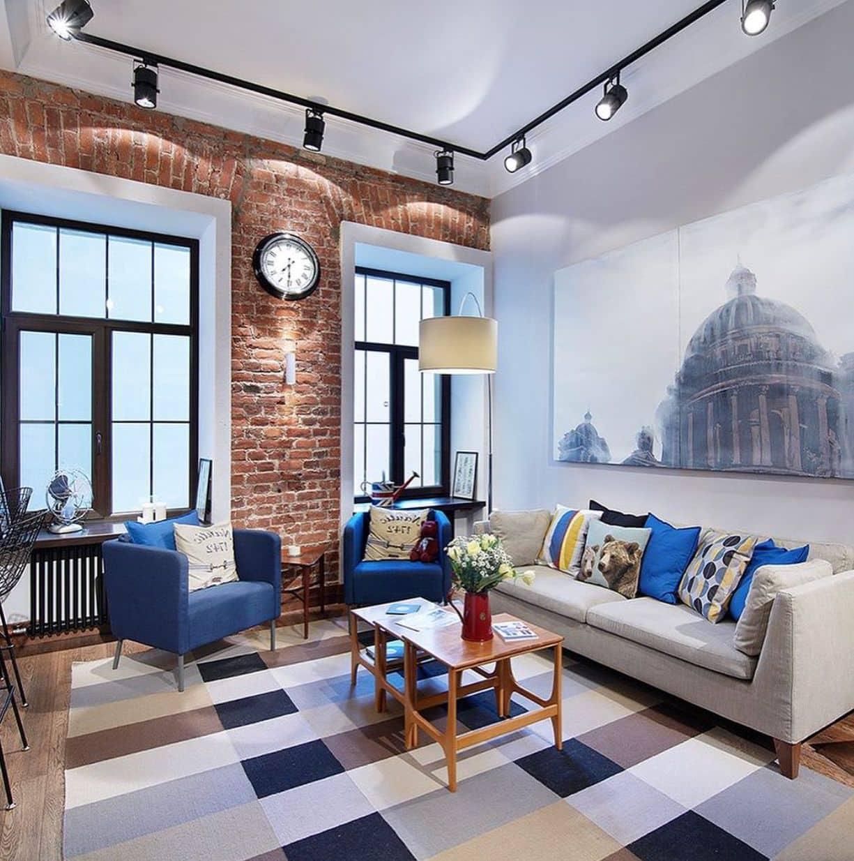 Комфортное расположение дивана, журнального столика и двух кресел