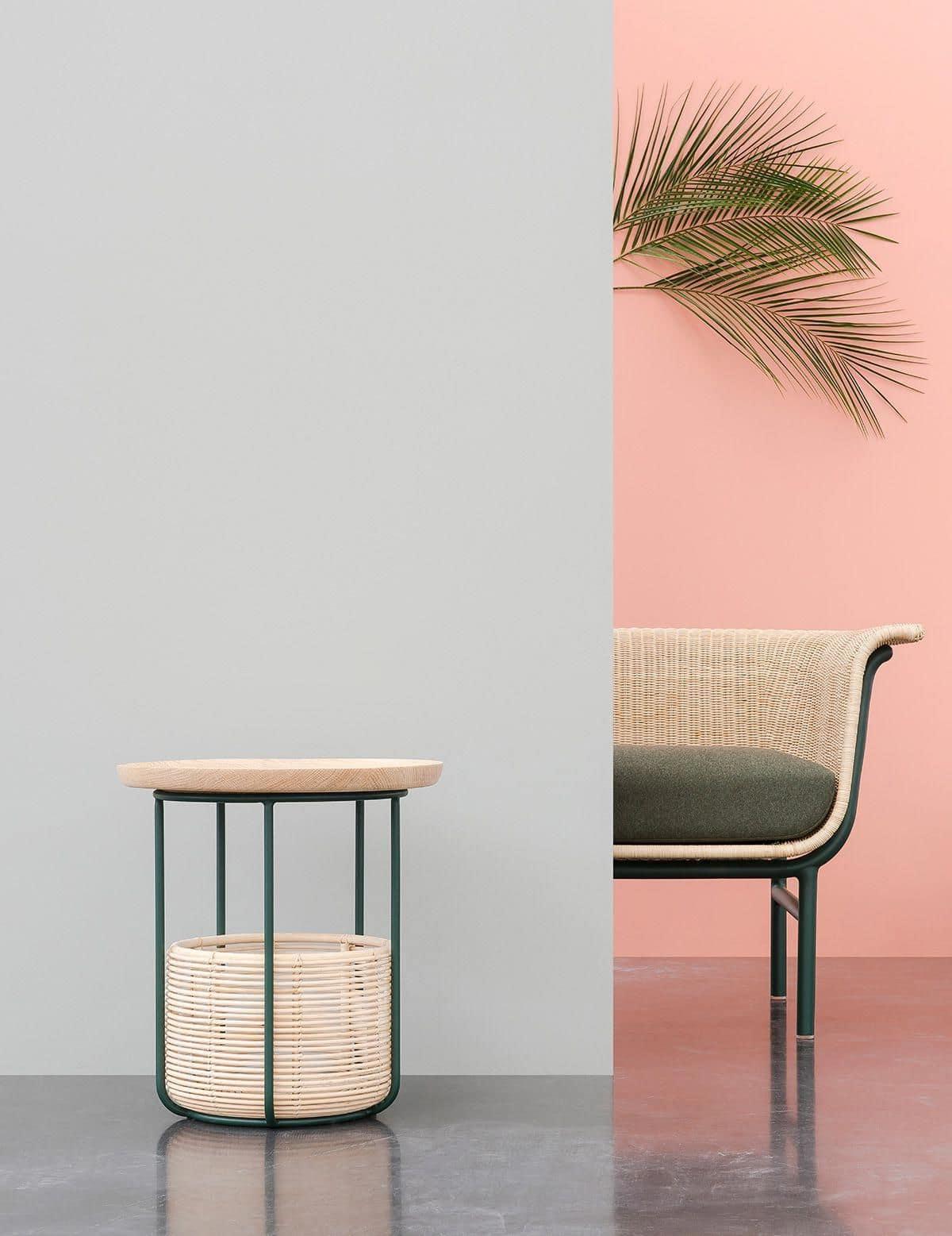 Удачное решение комбинирования обоев серого и персикового цвета