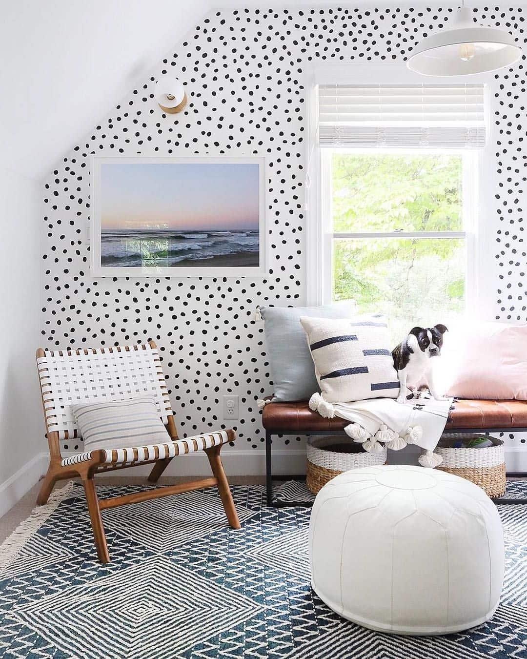 Умело подобранные детали интерьера, где каждый предмет мебели прекрасно сливается с цветом стен